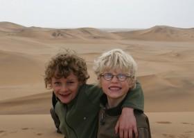 Travelnauts rondreis Namibie kalahari-desert Safari, zandduinen, maanlandschappen in Namibië 30pluskids