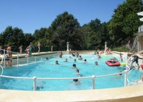 Chateau de Mialaret zwembad.jpg Domaine le Mialaret 30pluskids