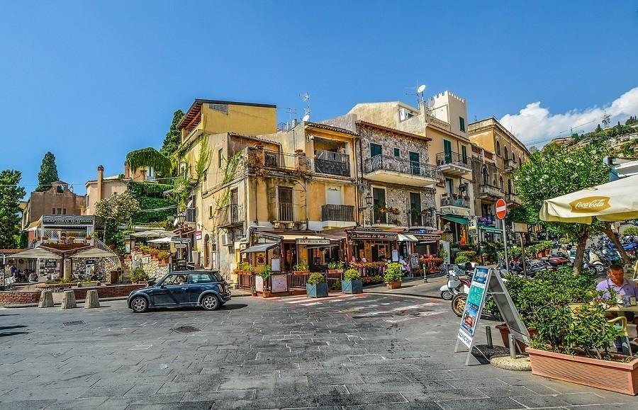 Travelnauts rondreis Sicilie italië-stad-restaurantjes-toeristisch Rondreis Sicilië 30pluskids image gallery