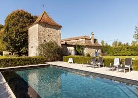 Maisons de Charme in Saint Martin de Gurson, Frankrijk zwembad duiventoren Maison de Charme 30pluskids