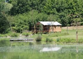 La Parenthese Camping Les Ormes in de Lot-et-Garonne, Frankrijk cabane du lac La Parenthèse – Camping Les Ormes  30pluskids