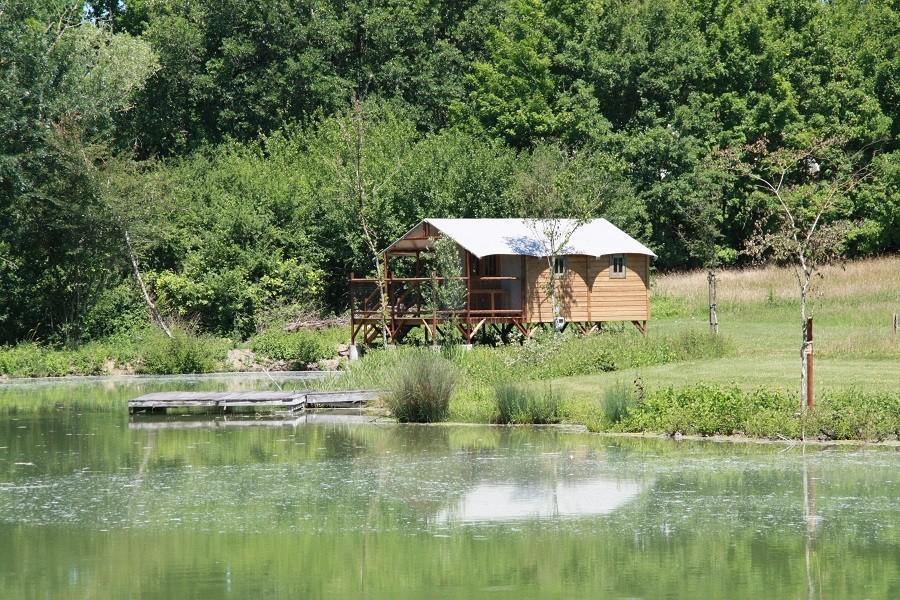 La Parenthese Camping Les Ormes in de Lot-et-Garonne, Frankrijk cabane du lac La Parenthèse – Camping Les Ormes  30pluskids image gallery