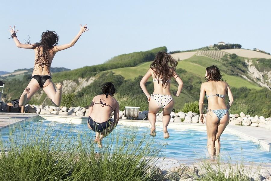 Charme delle Marche Villa della Valle zwembad Villa della Valle 30pluskids image gallery