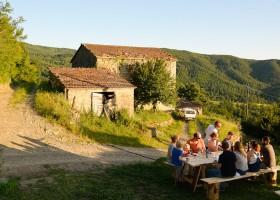Novanta in Toscane, Italie buiten eten Novanta 30pluskids