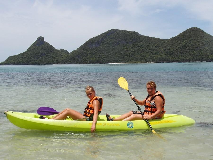 Riksja Family rondreis Thailand Koh Samui - Kanoen langs de kust Riksja Family Thailand 30pluskids image gallery