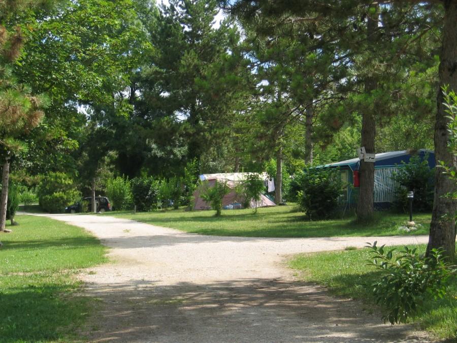 Camping des Arcades kampeerterrein overzicht.jpg Camping Des Arcades 30pluskids image gallery
