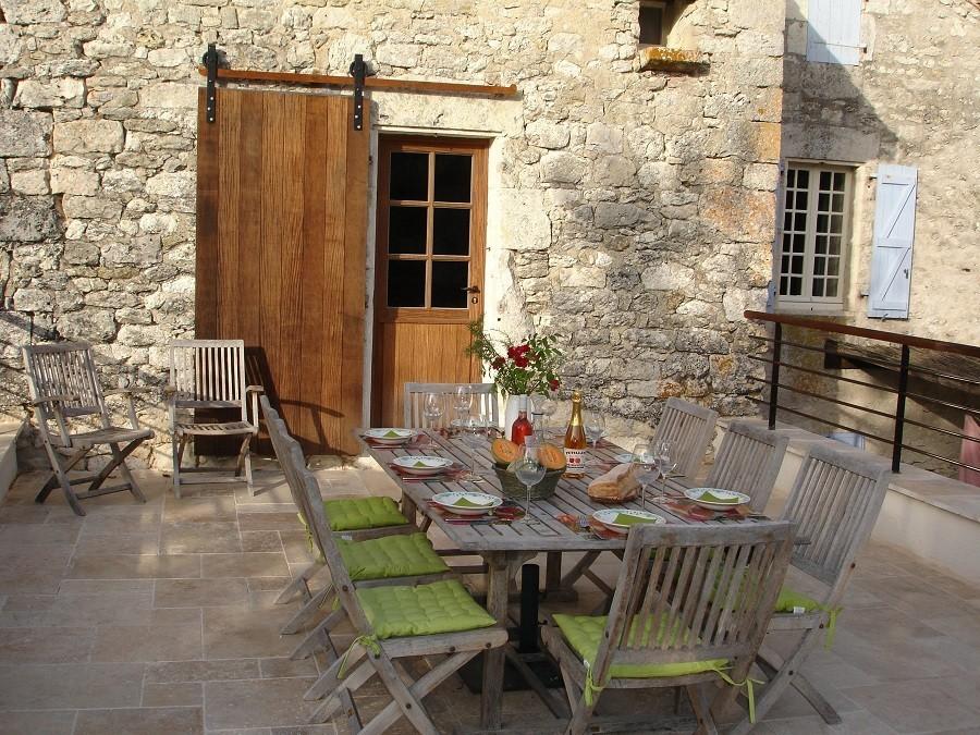 Le Tilleul in Frankrijk - dakterras buiten gedekt Le Tilleul 30pluskids image gallery