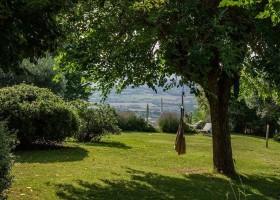 Case Leonori in Le Marche, Italie doorkijk tuin 9 Agriturismo Case Leonori 30pluskids