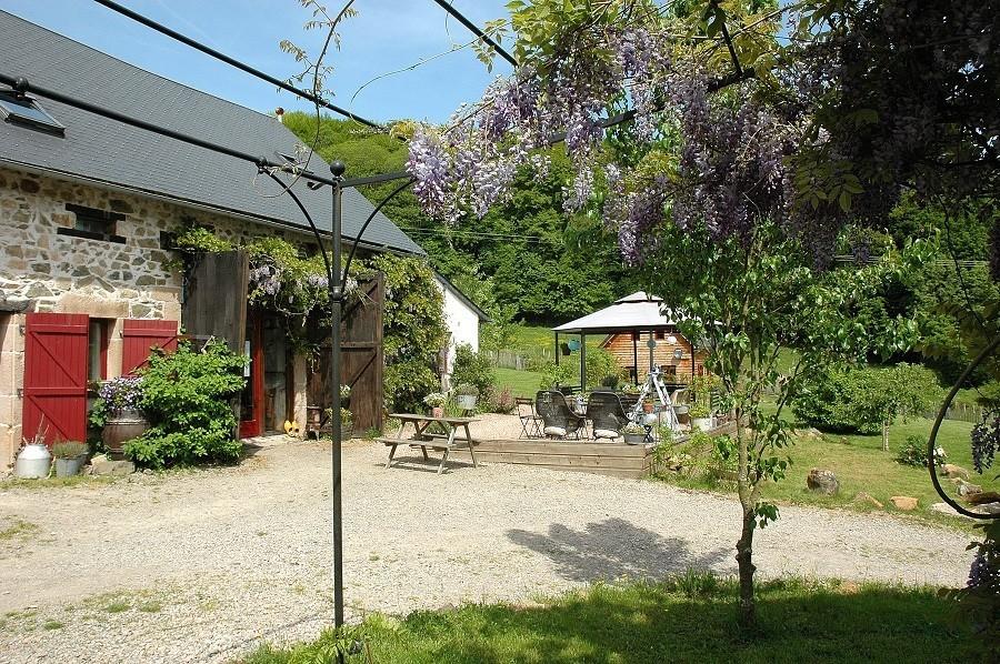 Morvan Rustique huis zonnig 900.jpg Morvan Rustique 30pluskids image gallery