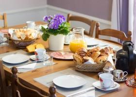 Domaine des Lilas in de Auvergne, Frankrijk ontbijt Domaine des Lilas 30pluskids