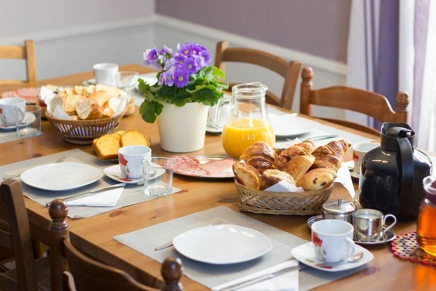 Domaine des Lilas in de Auvergne, Frankrijk ontbijt Domaine des Lilas 30pluskids image gallery
