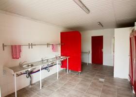 Domaine des Lilas in de Auvergne, Frankrijk sanitair Domaine des Lilas 30pluskids