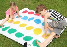 Vakantiehuizen Dordogne in Saint Pierre de Frugie, Frankrijk kinderen spelen Vakantiehuizen Dordogne  30pluskids