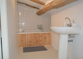 Manoir Hans & Lot in de Tarn-et-Garonne, Frankrijk badkamer mrt 2019 08 Manoir Hans & Lot 30pluskids