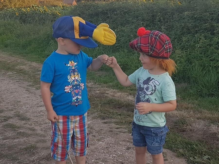 Bonneblond in de Auvergne, Frankrijk stoere kindjes Landgoed Bonneblond 30pluskids image gallery
