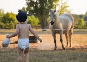 """Domaine Les Gazailles Huis aan de Lot in de Lot-et-Garonne, Frankrijk kindje en paard Domaine """"La Gazailles"""" - HUIS aan de LOT 30pluskids"""