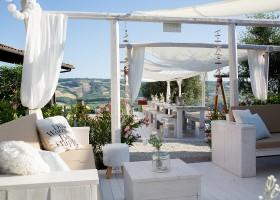 Villa Alwin in Le Marche, Italie loungehoek Villa Alwin 30pluskids