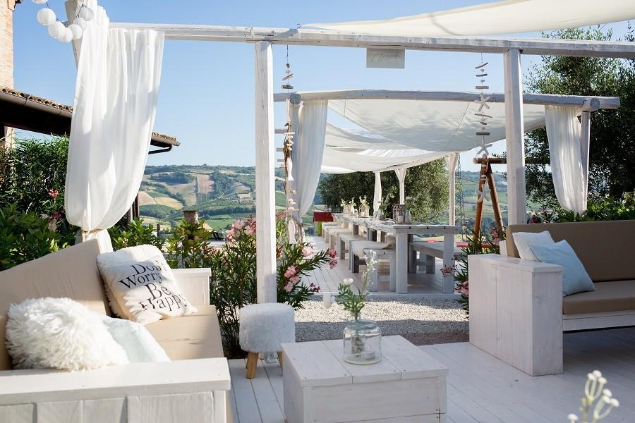 Villa Alwin in Le Marche, Italie loungehoek Villa Alwin 30pluskids image gallery
