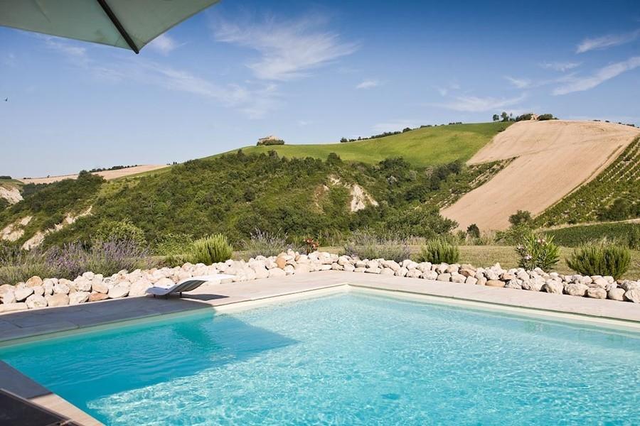 villadellavalle in Le Marche, Italie zwembad 2 Villa della Valle 30pluskids image gallery