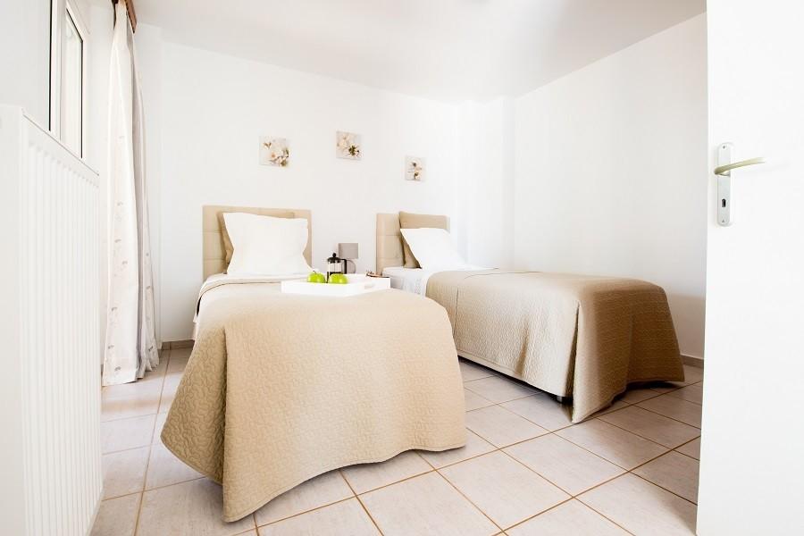 Villa Adonis slaapkamer beneden 900.jpg Villa Adonis 30pluskids image gallery