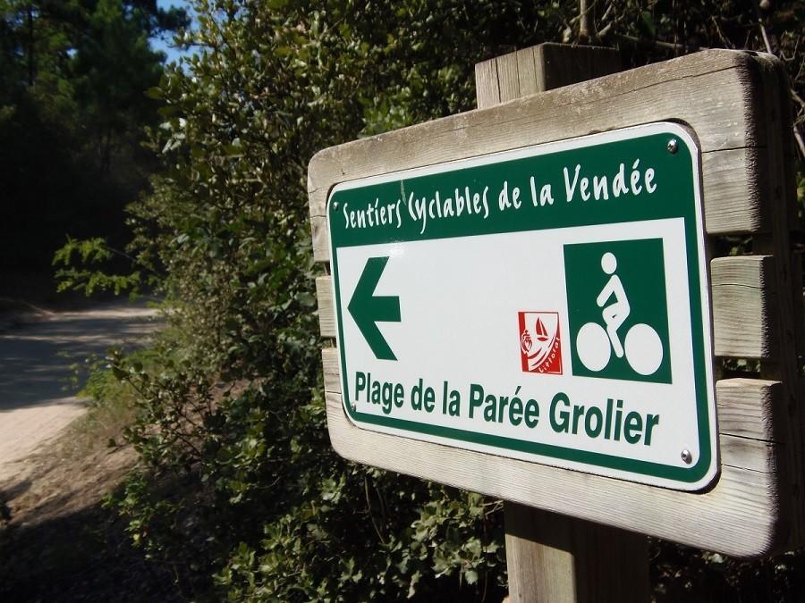 Au Passage du Gois in de Vendee, Frankrijk bordje plage Au Passage du Gois 30pluskids image gallery