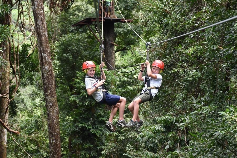 Travelnauts rondreis Maleisie-langkawi-zipline Kuala Lumpur, jungle, theeplantages in Maleisië 30pluskids image gallery