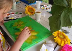 Villa Lafage in de Dordogne, Frankrijk kinderen maken schilderijen Villa Lafage 30pluskids