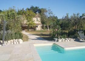 villadellavalle in Le Marche, Italie zwembad Villa della Valle 30pluskids
