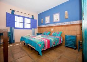 Hacienda Guaro Viejo slaapkamer 2 kamer appartement.jpg Hacienda Guaro Viejo 30pluskids