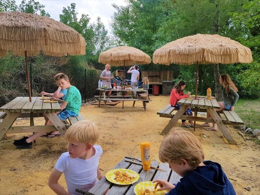 Rendez-vous in Roaix, Frankrijk picknicktafels Vakantieverblijf Rendez-Vous 30pluskids image gallery