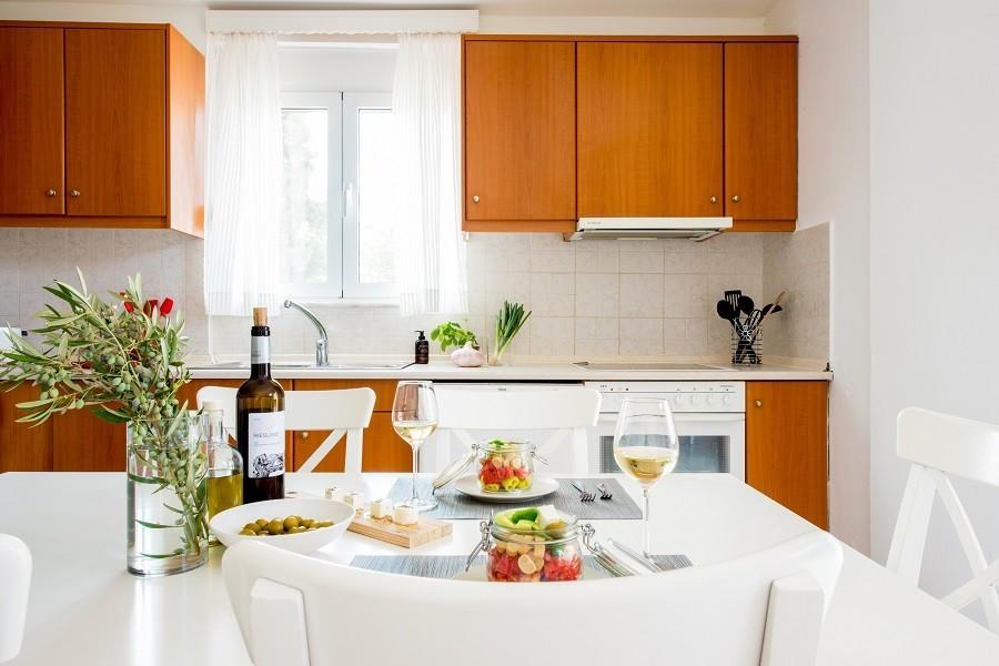 Villa Adonis keuken 900.jpg Villa Adonis 30pluskids image gallery