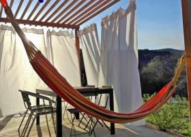 Le Miracle in de Gard, Frankrijk terras noord gordijnen Le Miracle 30pluskids