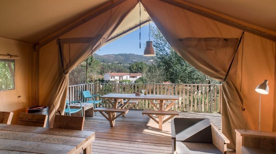 Quinta do Cascalhal in Arco de Baulhe, Noord-Portugal safaritent met veranda Portugal Noord - Quinta Do Cascalhal 30pluskids image gallery