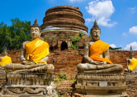 Riksja Family rondreis Thailand Tempel en Tuk Tuks - Ayutthaya Riksja Family Thailand 30pluskids
