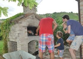 villadellavalle in Le Marche, Italie pizza-oven Villa della Valle 30pluskids