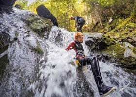 ViNEA Family Oostenrijk outdoor canyoning ViNEA Family Outdoor Oostenrijk 30pluskids