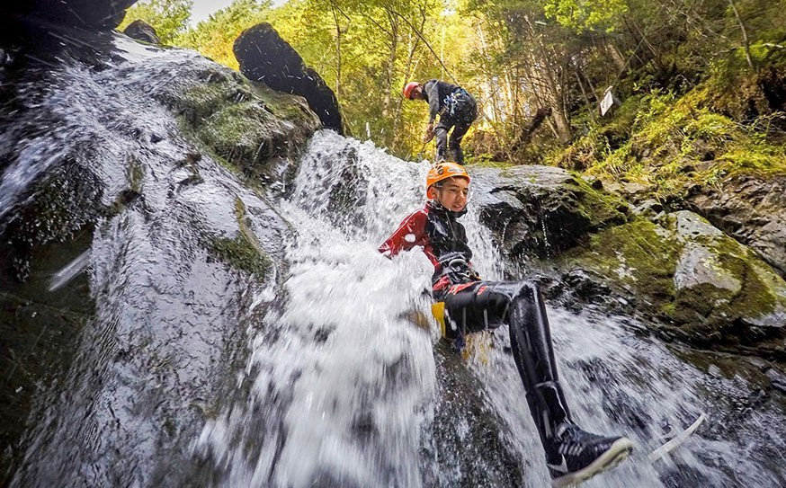 ViNEA Family Oostenrijk outdoor canyoning ViNEA FAmily 30pluskids image gallery