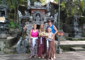 3101_3.jpg Riksja Family Indonesie 30pluskids