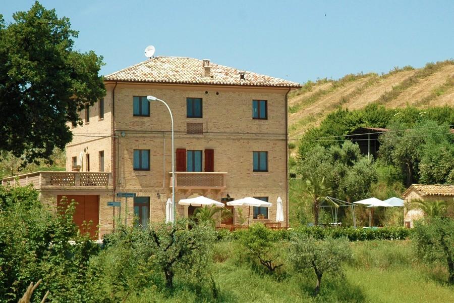 Villa Bussola in Le Marche, Italie het huis Agriturismo Villa Bussola  30pluskids image gallery