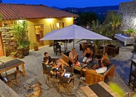 Casa Fontelheira in Noord-Portugal, binnenplaats avond Casa Fontelheira 30pluskids