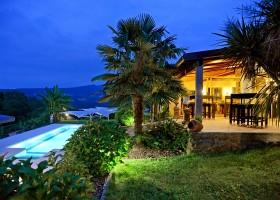 Casa Fontelheira in Noord-Portugal, zwembad en restaurant Casa Fontelheira 30pluskids