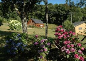 Morvan Rustique houten huisje en safaritent klein.jpg Morvan Rustique 30pluskids