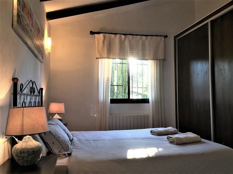 Casa Lobera in Andalusie, Spanje slaapkamer tweepersoonsbed Casa Lobera  30pluskids image gallery