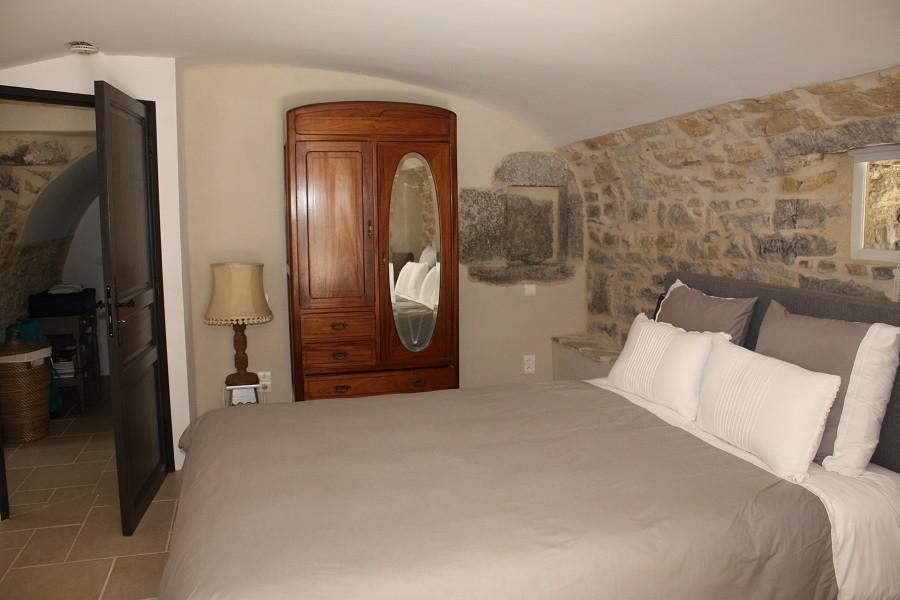 Gite Le Bel Endroit slaapkamer met kast Gîte Le Bel Endroit 30pluskids image gallery