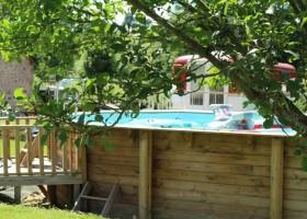 Dans le Jardin in de Bourgogne, Frankrijk Zwembad in groen Dans Le Jardin 30pluskids