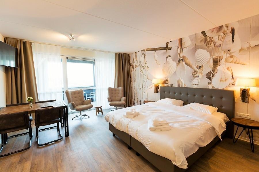Hotel De Zeeuwse Kust hotelkamer.jpg