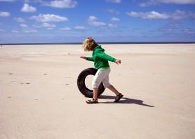 Texel Yurts op het strand 3.jpg Texel Yurts 30pluskids