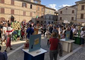 Case Leonori in Le Marche, Italie colmurano-fiesta-bambini 10 Agriturismo Case Leonori 30pluskids