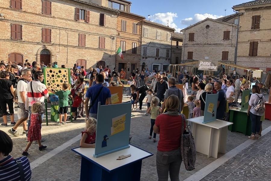 Case Leonori in Le Marche, Italie colmurano-fiesta-bambini 10 Agriturismo Case Leonori 30pluskids image gallery