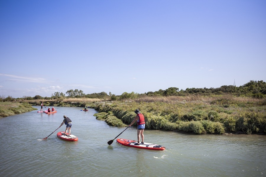 Camping Huttopia Oleron les Chênes Verts, Frankrijk standup paddling Huttopia Oléron Les Chênes Verts 30pluskids image gallery